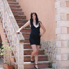 Elegant im kleinen Schwarzen... - Geile-Julie