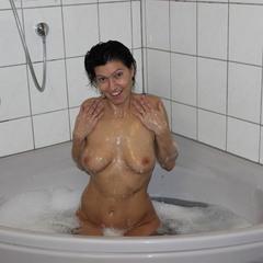 ich in meiner Badewanne - SupergeileMausi