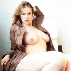 Sexy Bierdusche - Julia-Jones