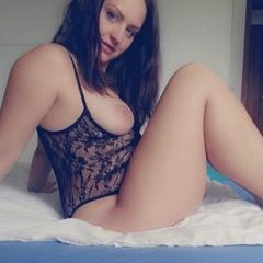 Posen im Body und High Heels - HotGirl9909