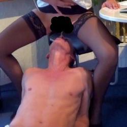 Sekretärin muß Pissen - mausi-67