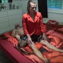 geiler Ritt und Dildofick im Bett - 2sexyand2hot