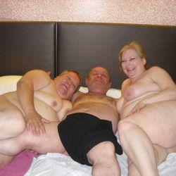 Inflagranti im Bett erwischt - VersauteMutti