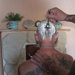 er rasierte meinen kopf ................ - lady-isabell666