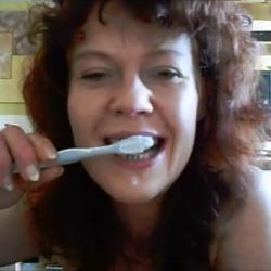 Die Zahncreme ist alle ! - Spermahexe