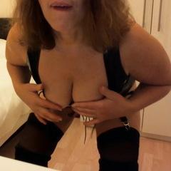 Mein neues Lackoutfit! - SexXxyHausfrau