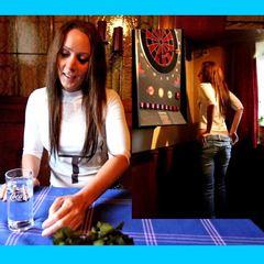 Mitten im Restaurant gefickt - Annabel-Massina
