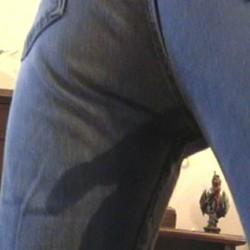 Betrunken in Jeans gepisst - NikiTabulos