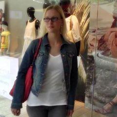 Public mitten im Laden gefickt! Ohne Gum - blondehexe