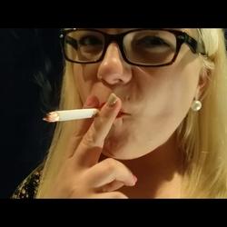 Smoking Blowjob - Miss-Mariella