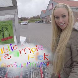 Public Creampie-Fick  Vor dem Supermarkt - Lucy-Cat