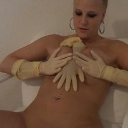 NATURSEKT - Die Handschuh Blase - Lara-CumKitten